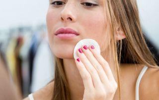 La detersione del viso deve essere un gesto quotidiano